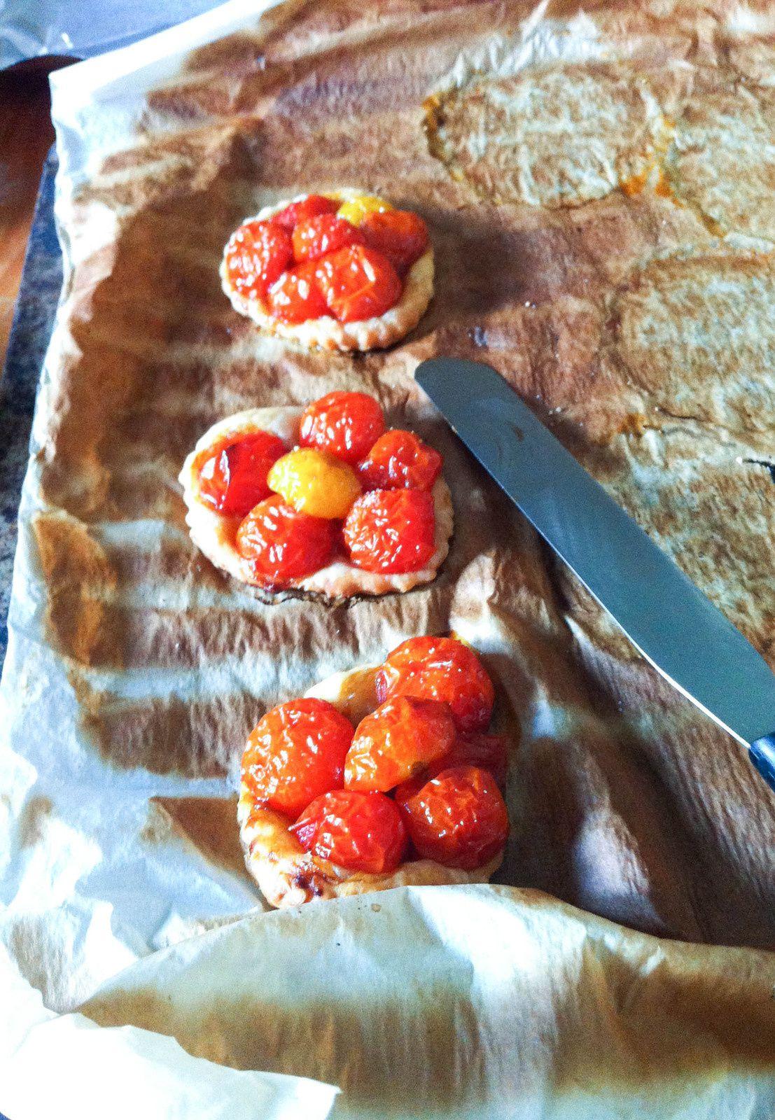 Tartes fines tomates &quot&#x3B;cerise&quot&#x3B;et vinaigre balsamique