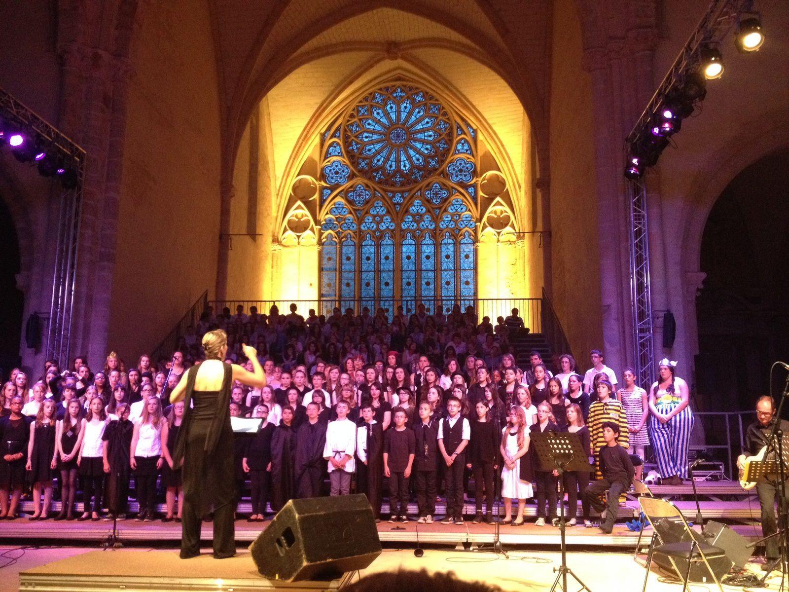 Chorallèges 2014 à l'abbaye de l'épau... Superbe concert des chorales des collèges de la Sarthe