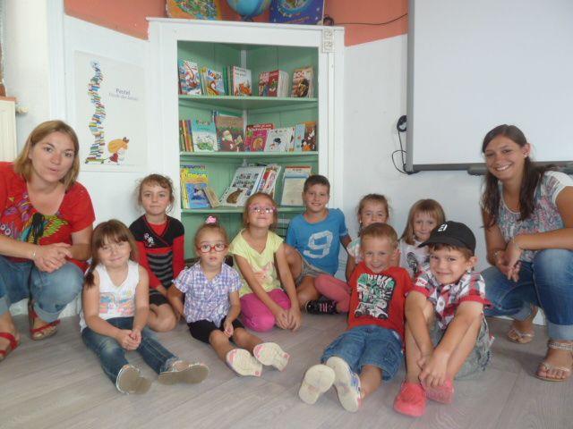 Claire-Marie, Laurine et 9 des enfants (2 ne viennent pas l'après-midi)
