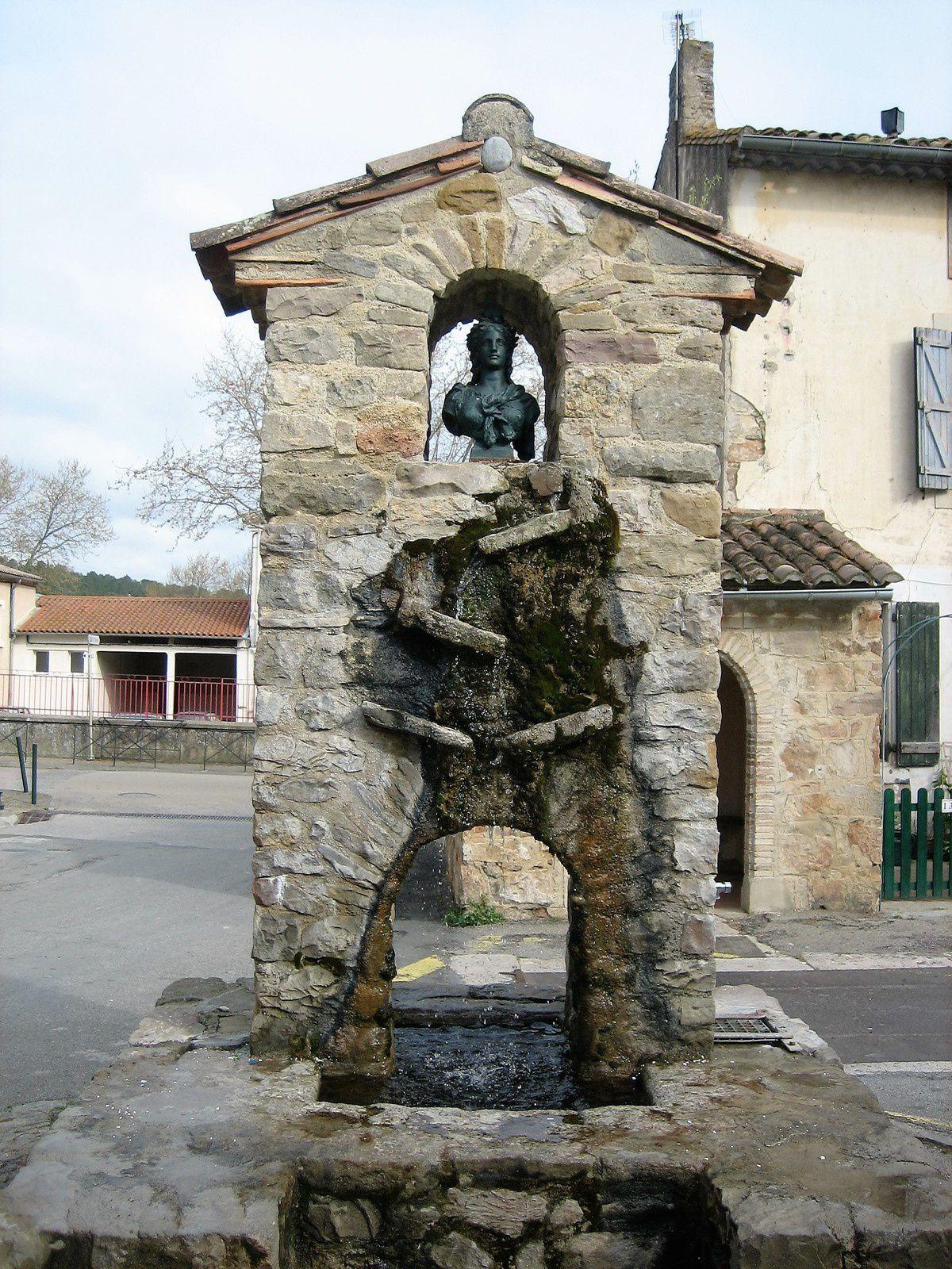 La fontaine de Talairan
