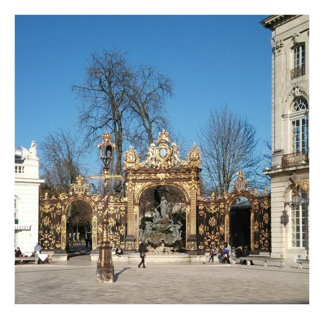 NANCY -  VILLE AUX PORTES D'OR