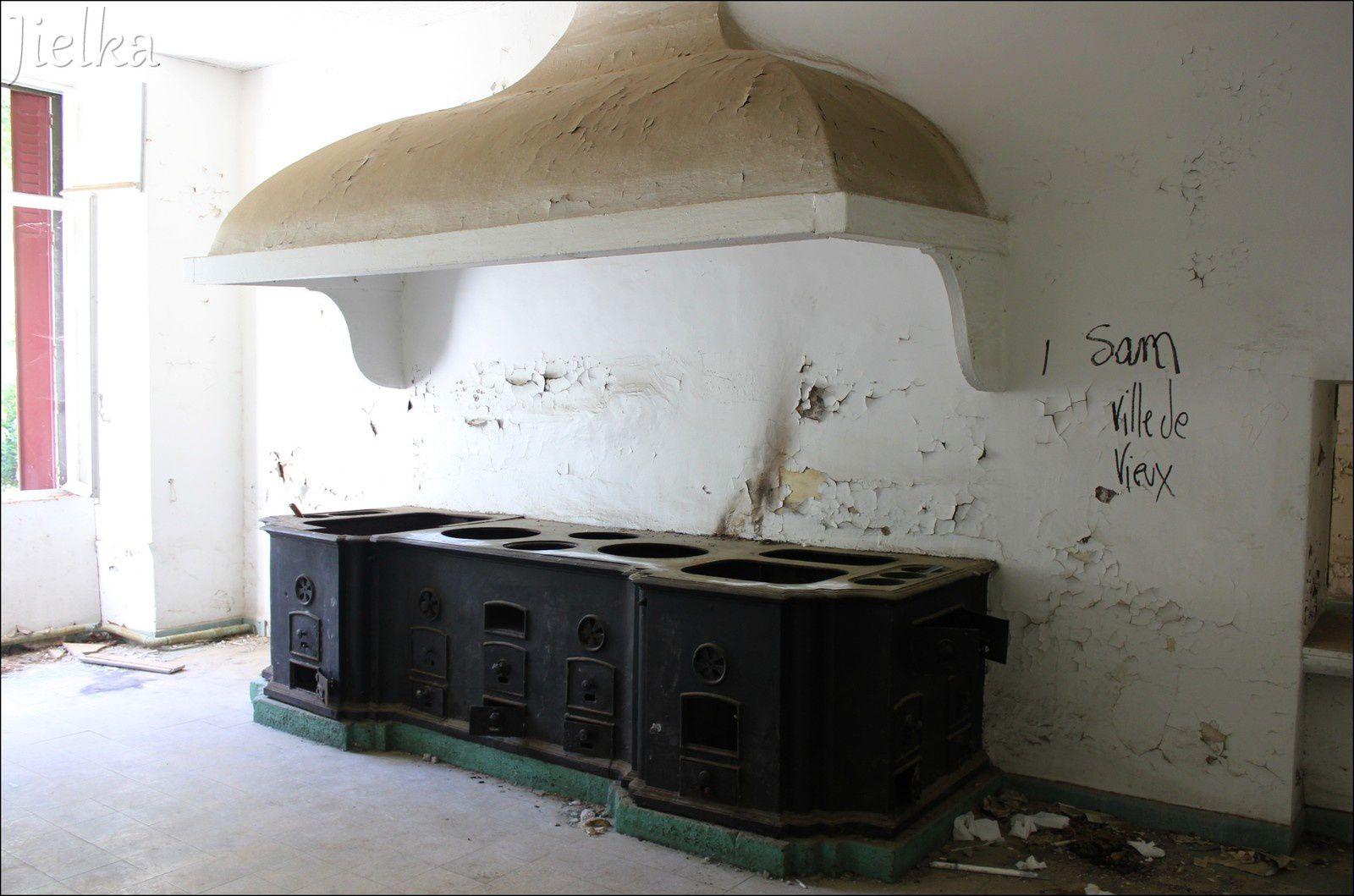 AMÉLIE LES BAINS (hopital thermal militaire) suite...