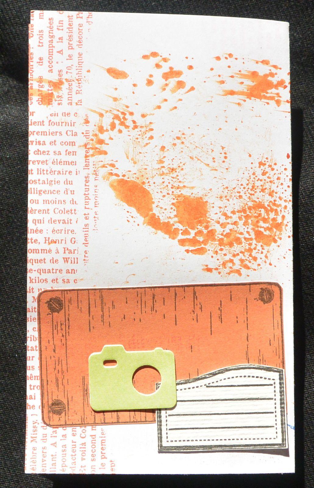 mini album orange dans une boite de mikado