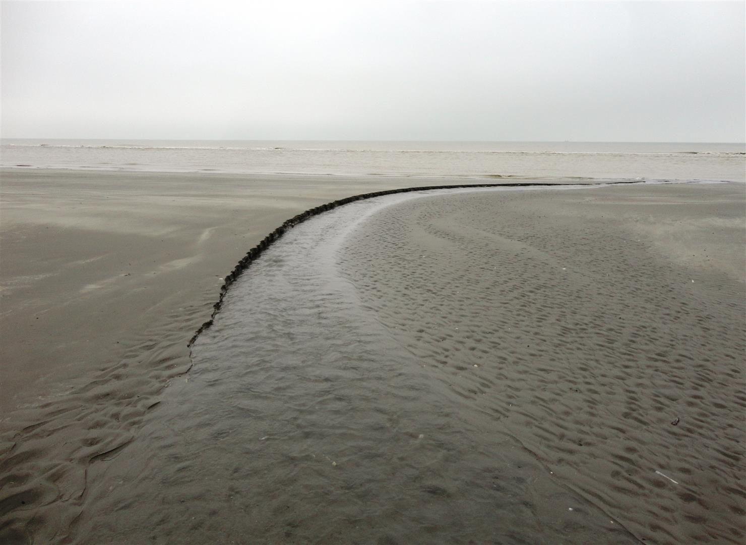 Un jour gris, plage de Petit Fort Philippe (1er février 2017)