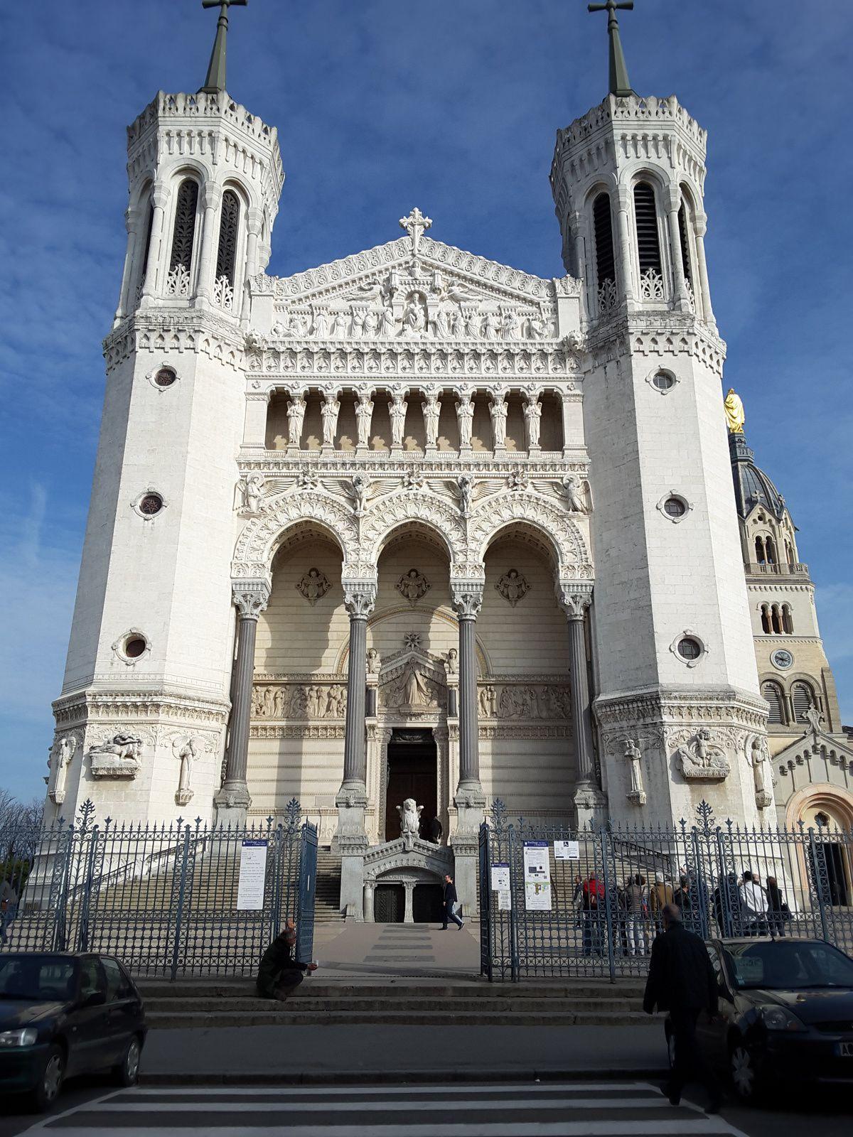 Cathédrale St Jean, Place Bellecour, herboristerie, Fourvière et métier Jacquard