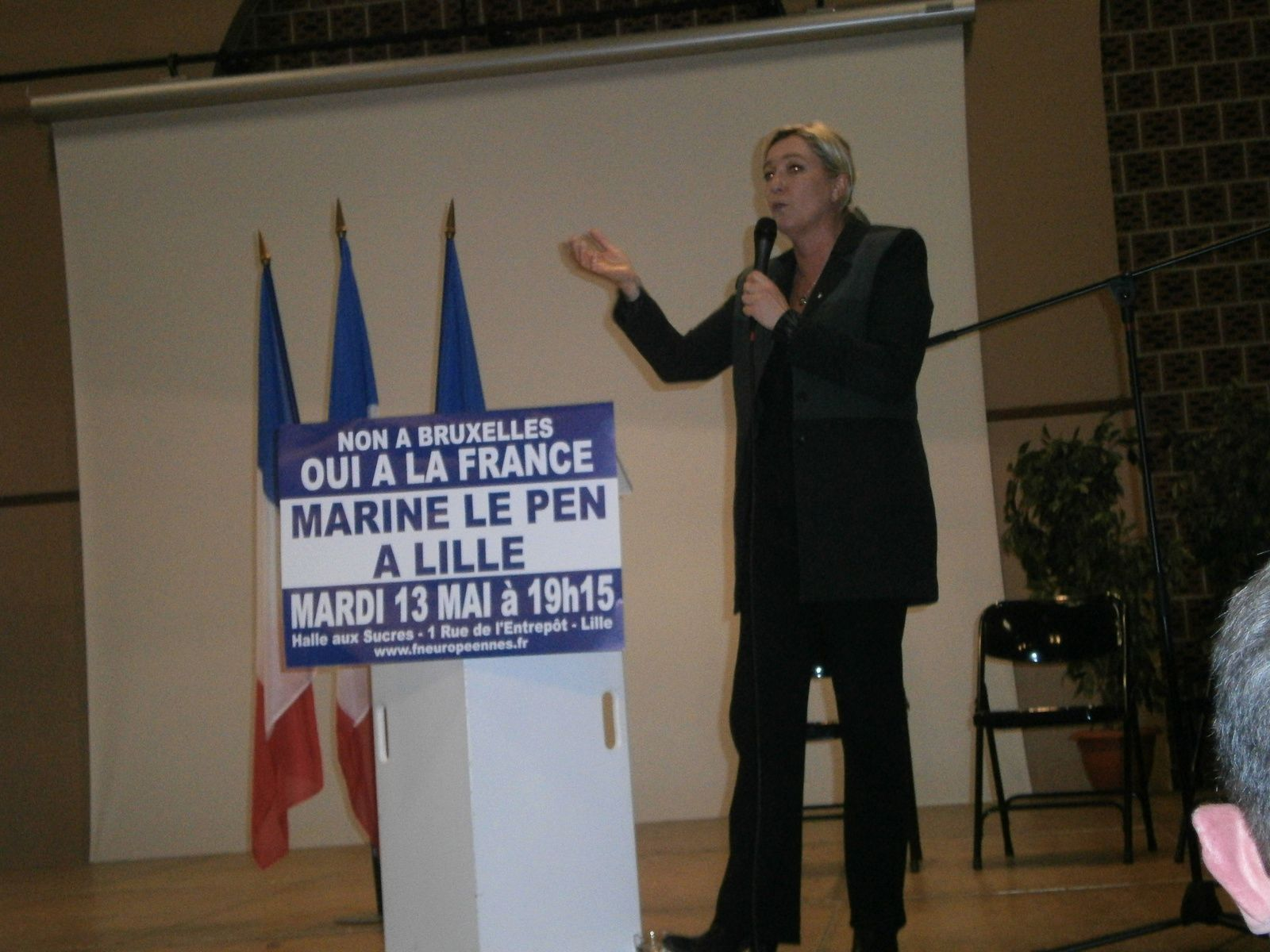 Marine LE PEN en meeting à Lille