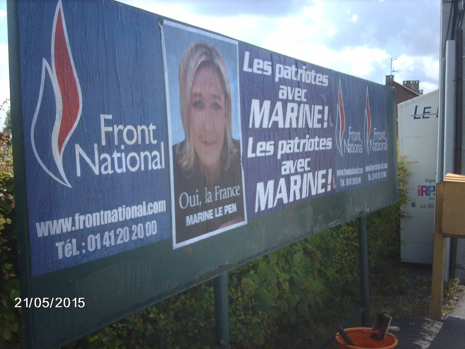 Collage massif dans la 12e circonscription du Nord