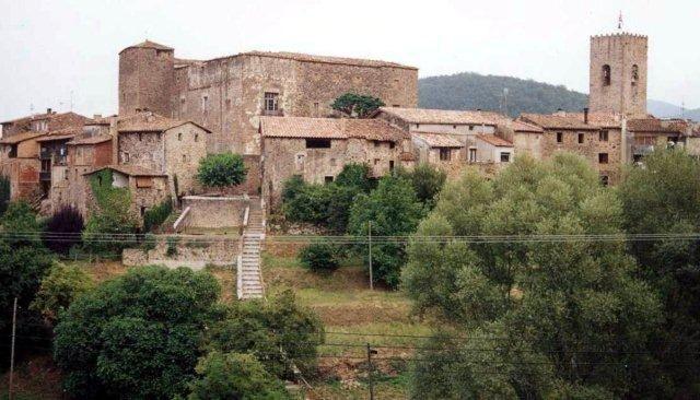 nous avons visité le joli village de Santa-Pau..nous avons beaucoup aimé....