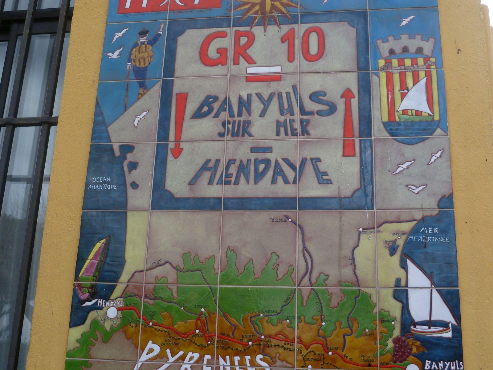 """Banyuls est le point de départ ou d'arrivée du GR 10 et de la HRP qui traversent les Pyrénées jusqu'à Hendaye et l'Océan Atlantique"""""""