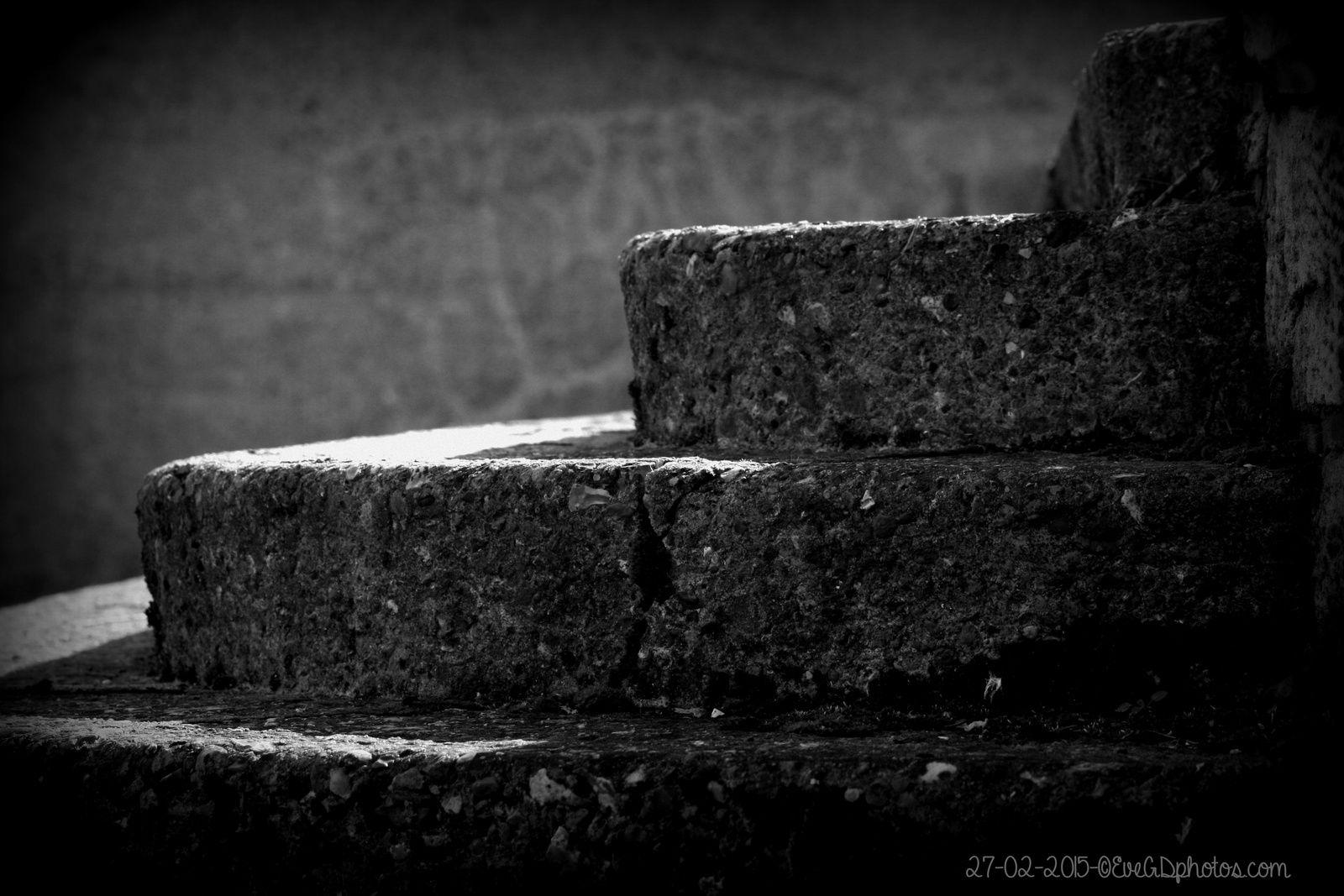 Des marches... en noir et blanc