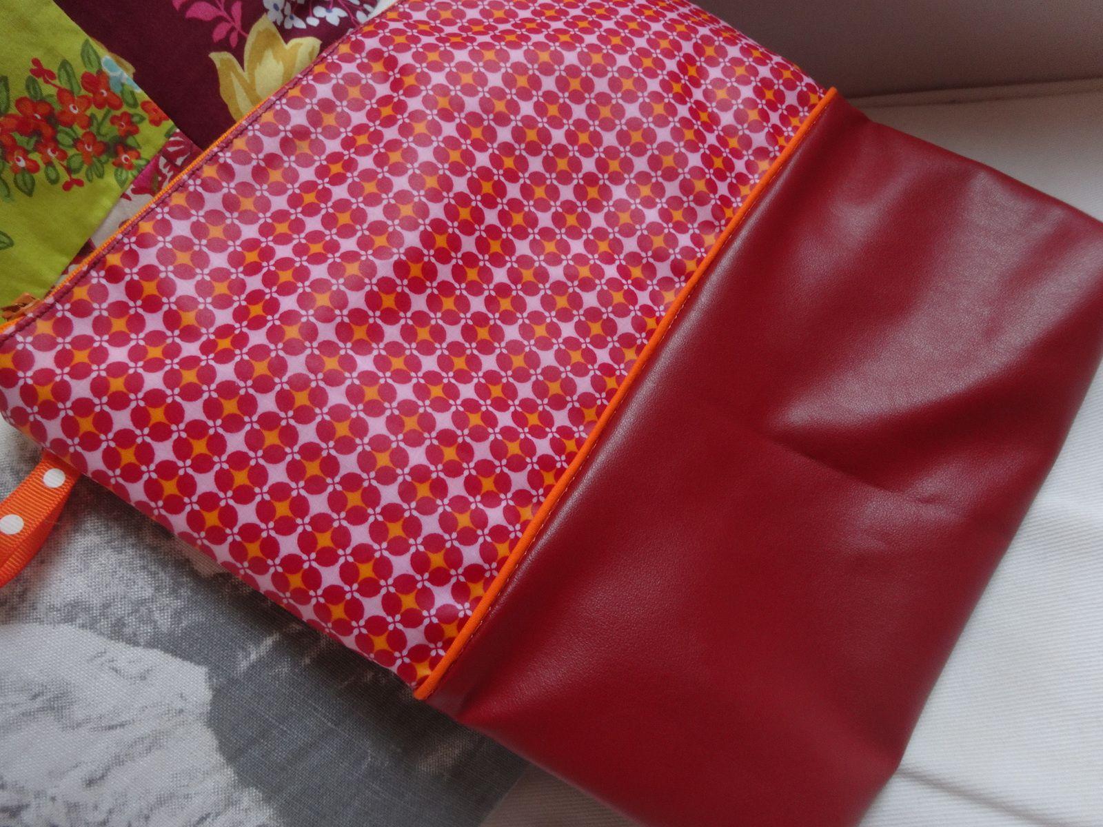 Le sac rouge de mes chaussettes rouges