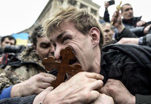 UKRAINE : UN DIRIGEANT COMMUNISTE TORTURE PAR LES FASCISTES ET NEO-NAZIS