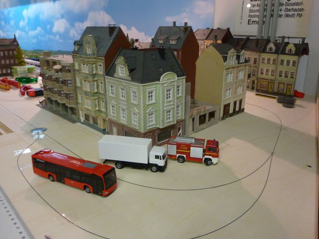 D'abord j'envisage à mettre en opération le Car System sur la totalité de la Ville de Raidange.
