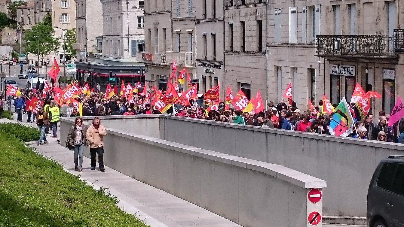 Bonne mobilisation contre la Loi travail à Niort ce 19 mai