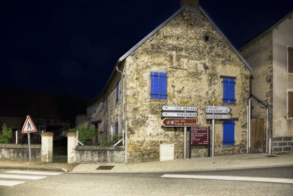 Saint-Priest la nuit par Guy ROUGIER