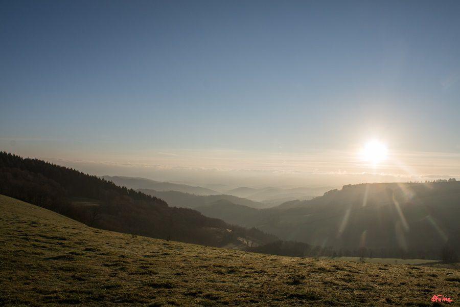 Lever du soleil sur les Monts d'Alban