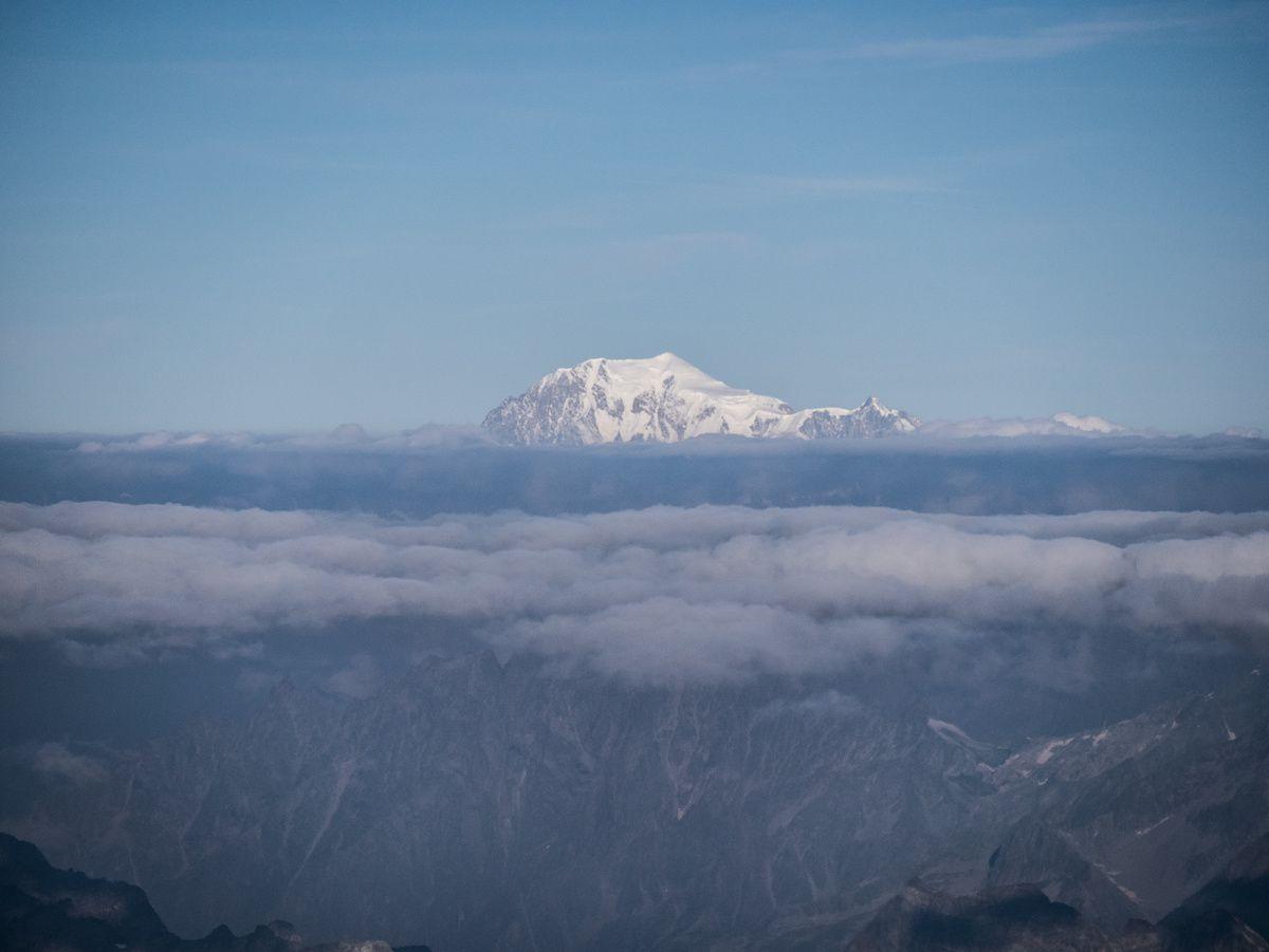 Belle vue sur le Cervin et le Mont Blanc.