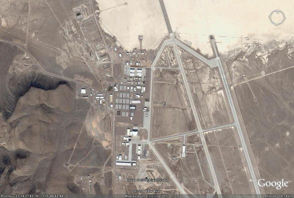 La base de Groom Lake, vue du ciel dans Google Earth