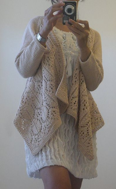 Summer Lace Wrap Cardigan de Vera Sanon
