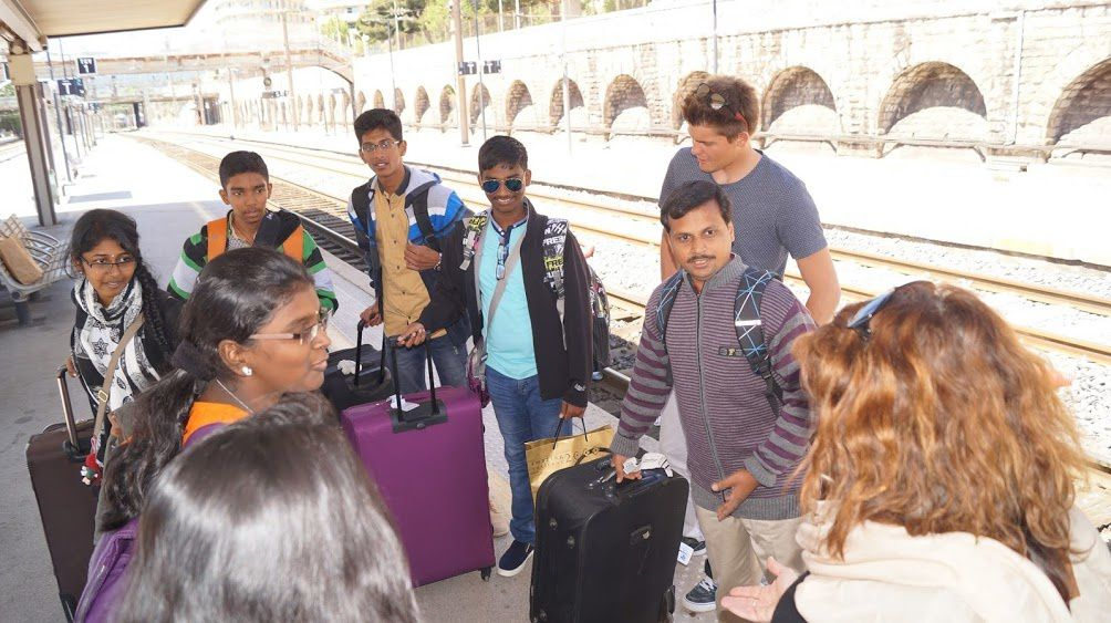 Bienvenue aux Indiens de Pondichéry /.../ Welcome to the Indians from Pondicherry