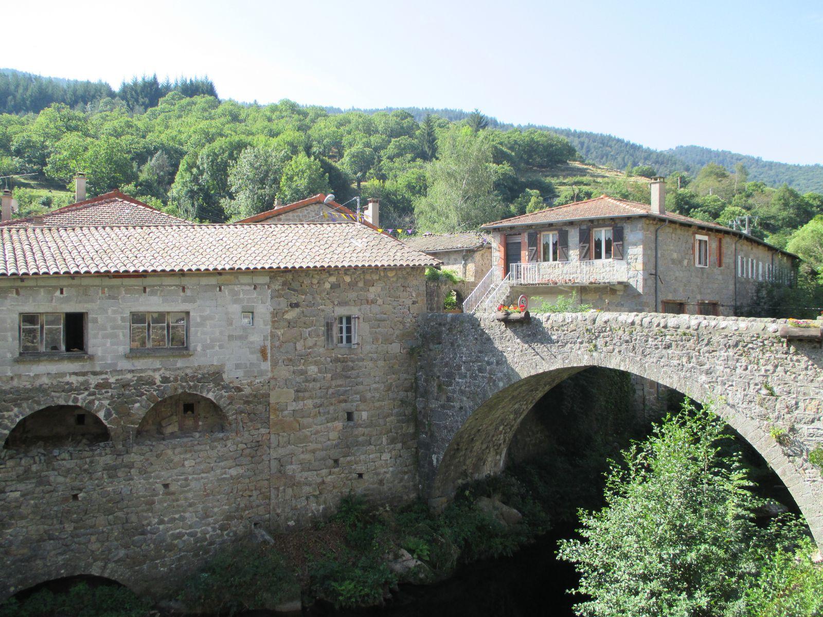 Après Mézilhac enfin de la descente par la Vallée de la Gluyére en passant à Albon