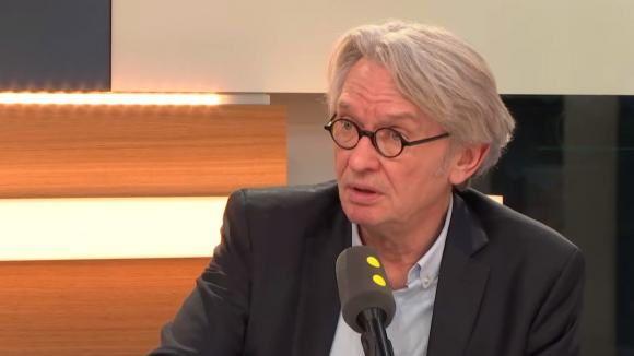 Jean-Claude Mailly, secrétaire général de Force ouvrière, était l'invité de Jean Leymarie, vendredi sur franceinfo, pour évoquer les chiffres du chômage.