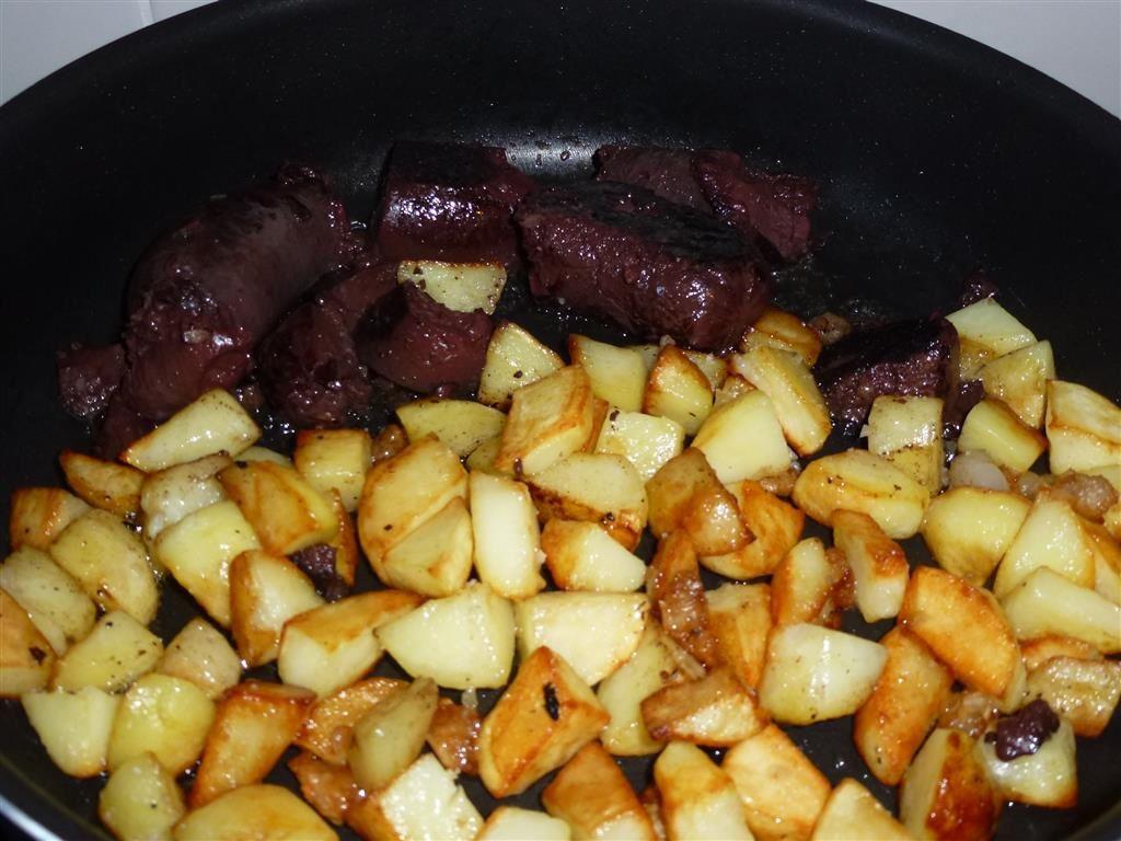 Boudin aux pommes de terre cuit à la panne de porc...