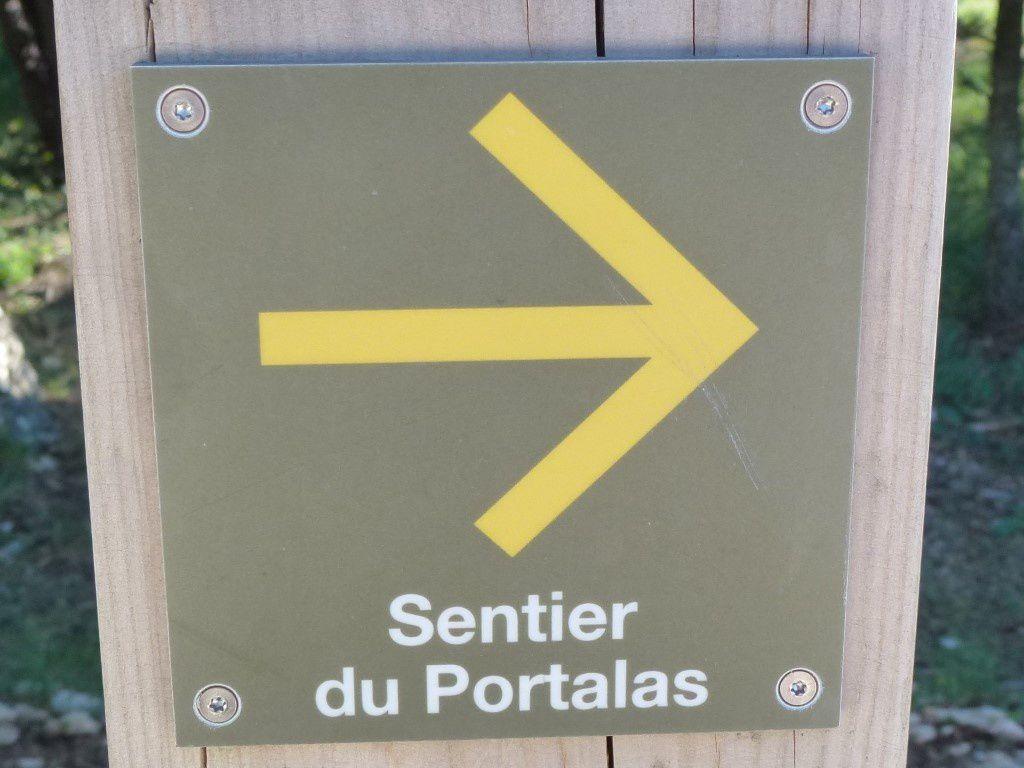 Le fléchage du Sentier du Portalas