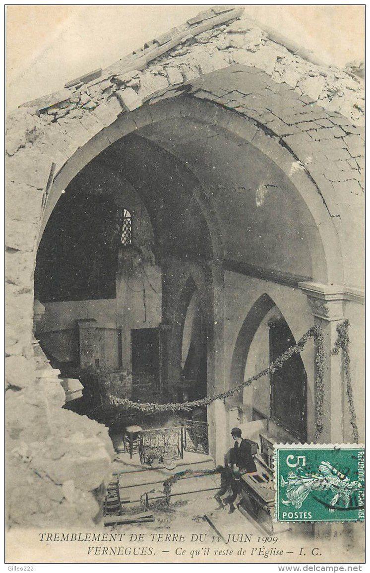 Ce qui restait de l'église après le tremblement de terre de 1909...