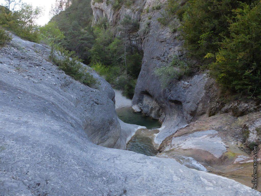 La vue vers la seconde cascade en contrebas.