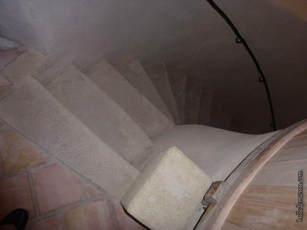 L'escalier qui permet d'accéder au 1er étage