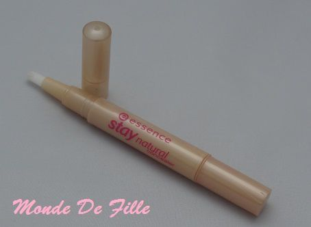 Stay Natural Concealer d'Essence