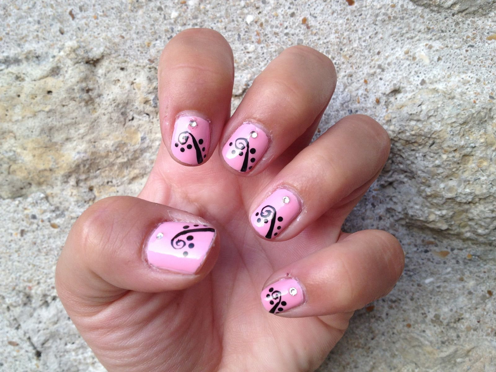 Nail Art sur le Sweet Rose de Ruby Wings