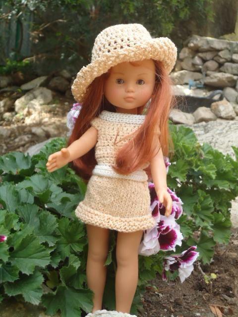 Capeline pour une robe au crochet et tricot
