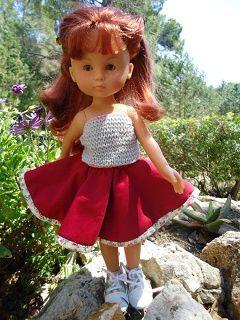 La jupe rouge avec le top gris réversible!