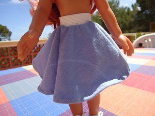 Tuto de la jupe cercle réversible et ... pour poupée chéries de corolle.