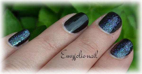 Hits - Moonbow Glitter et son accent nail