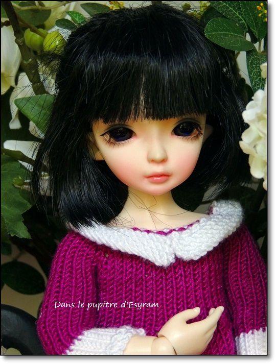 Violette et le bouquet blanc