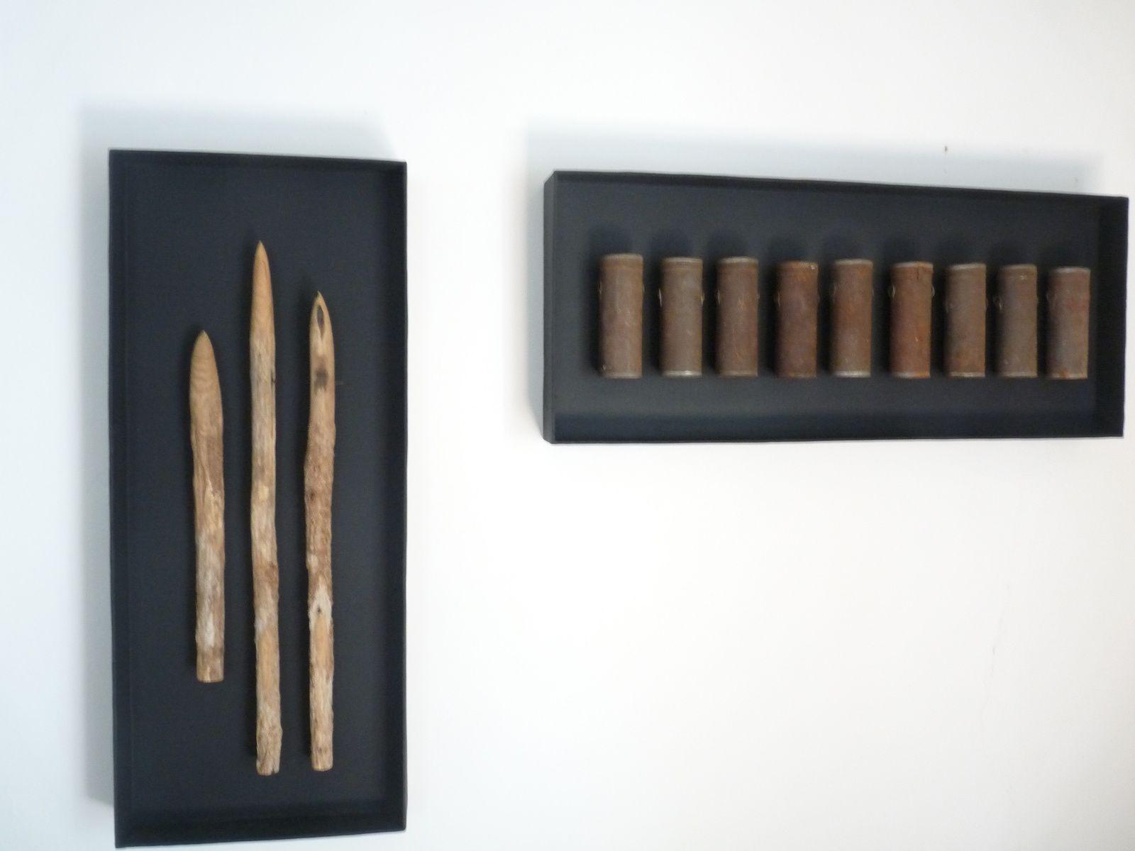 traverser le miroir, pour pénétrer à l'intérieur de  l'oeuvre plastique de Inna Maaimura(photo 1) objets(photo 2)
