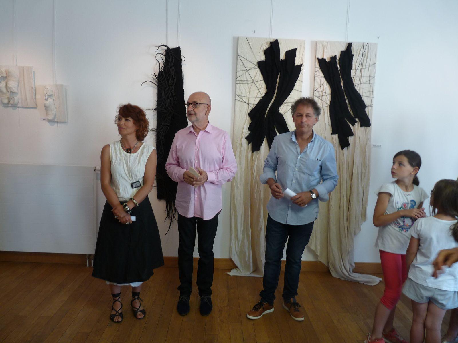 Lydie Clergerie aux côtés du député Jean-Pierre Cubertafon et du Maire Jean-Christophe Boulanger.