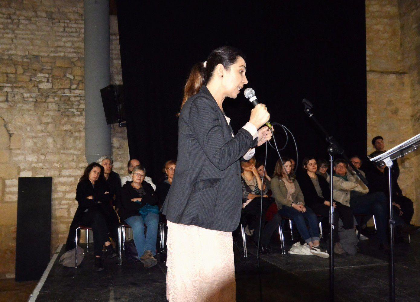 Laure Mollier(chant et vocalises) accompagnée par Aurélien Le Goff au clavier.