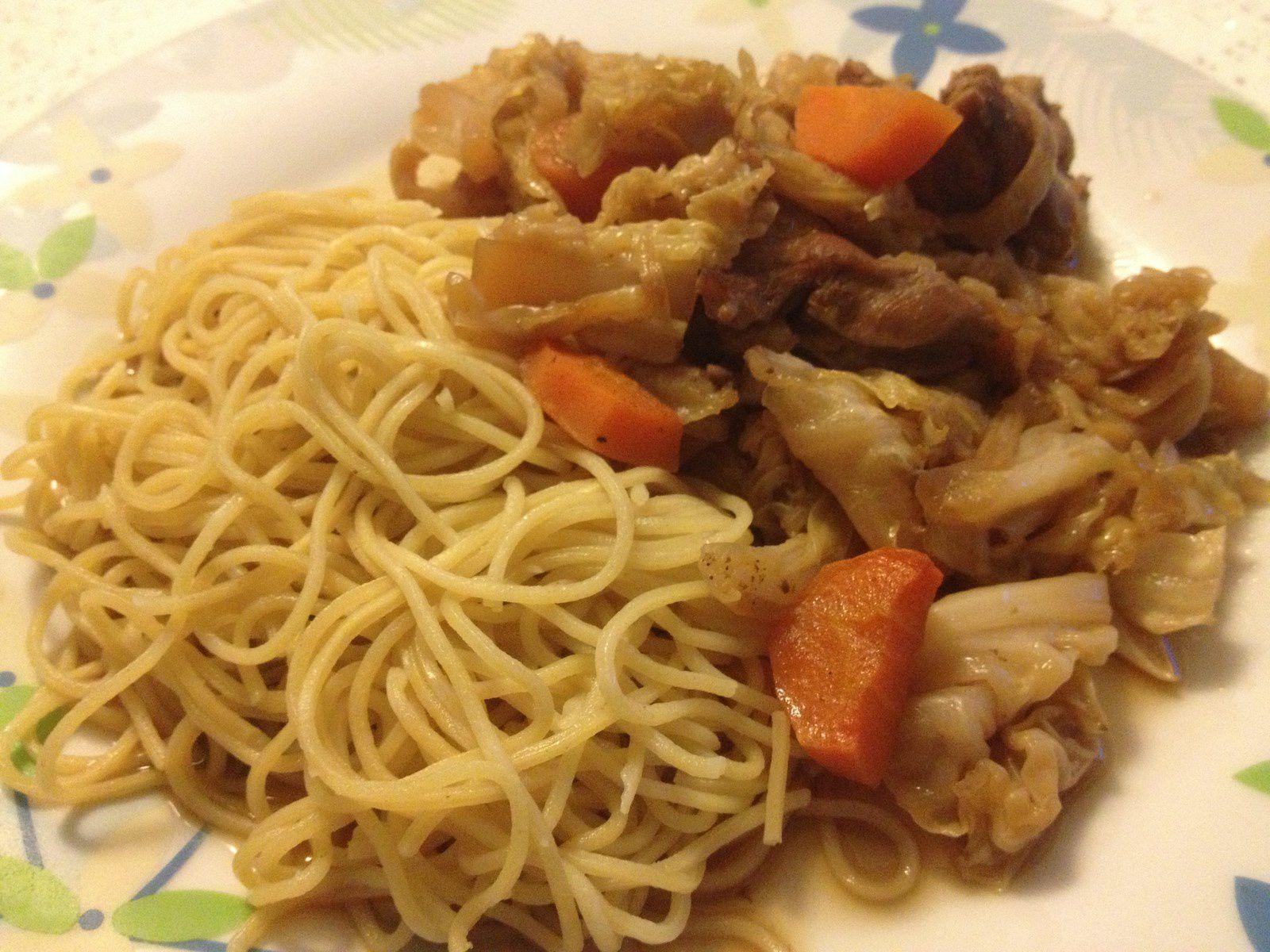 Chaomen ou Shaomen (Porc et chou à la sauce soja)