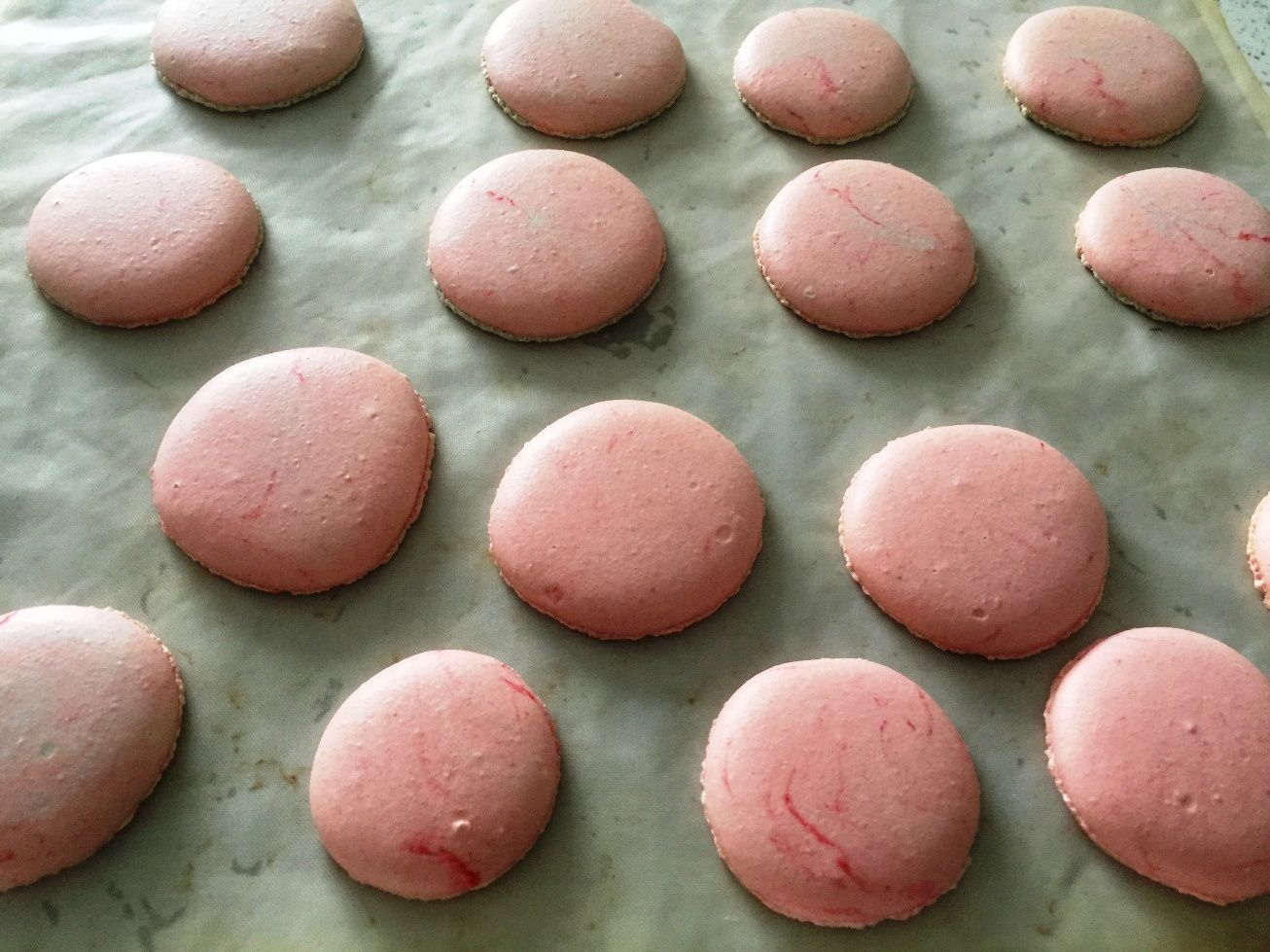 un mix de colorant bleu et rouge donne un rsultat - Colorant Macaron