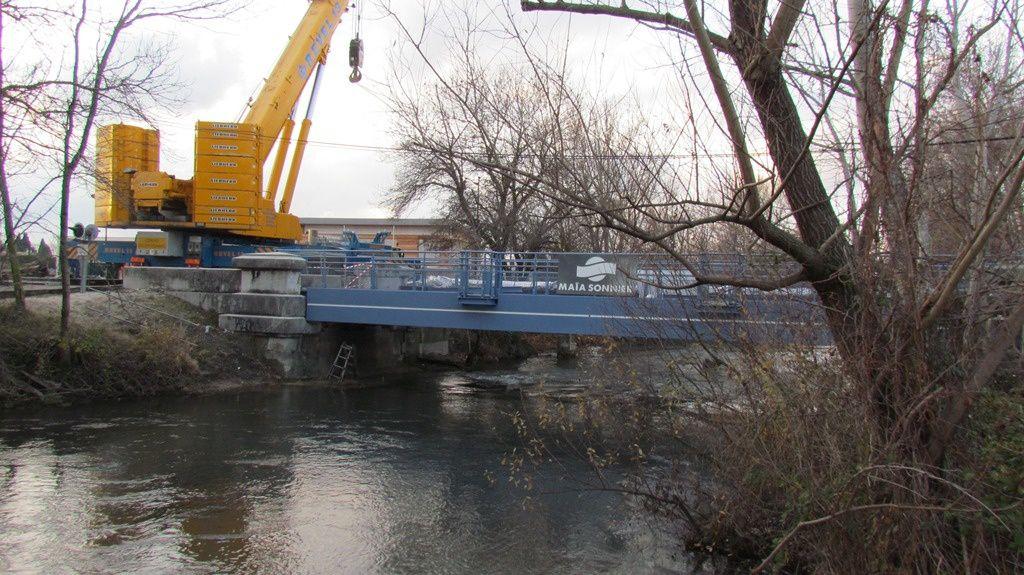 Travaux carpentras sorgues mise en place du pont rail d 39 entraigues sur sorgue la voix de - La table d or entraigues sur la sorgue ...