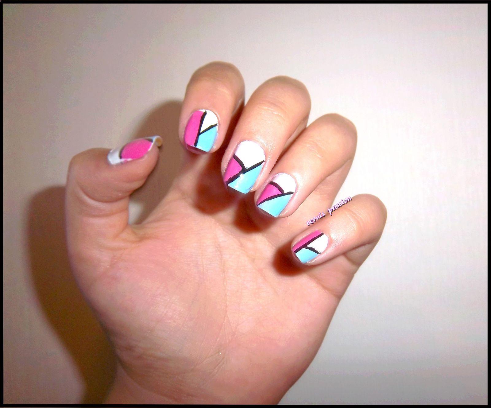 Nail Art du jour façon géométrique