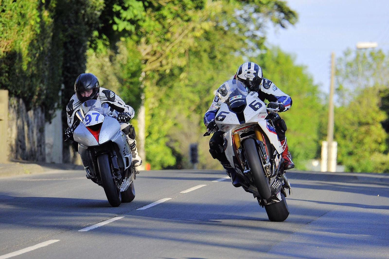 [Road Racing] TT 2014  - Page 2 Ob_aad647_10382240-10203986206760133-87329434224