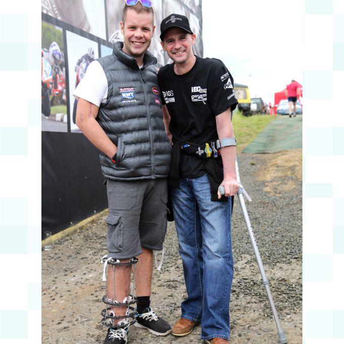 Jamie Hamilton et Ryan Farquhar ont apporté une touche de bonne humeur sur le paddock. © Pacemaker