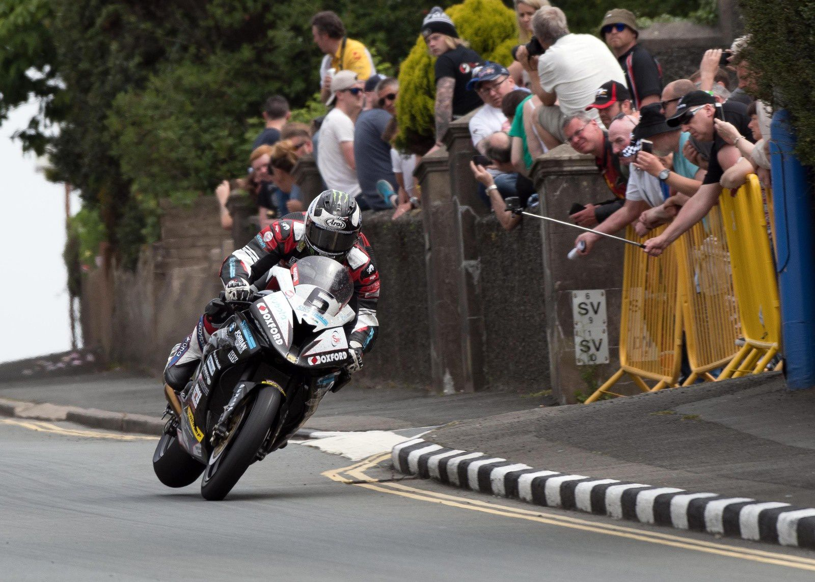 Michael Dunlop TT Superbike race 2016 ©Steve English