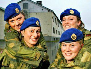 Le service militaire obligatoire pour les Norvégiennes