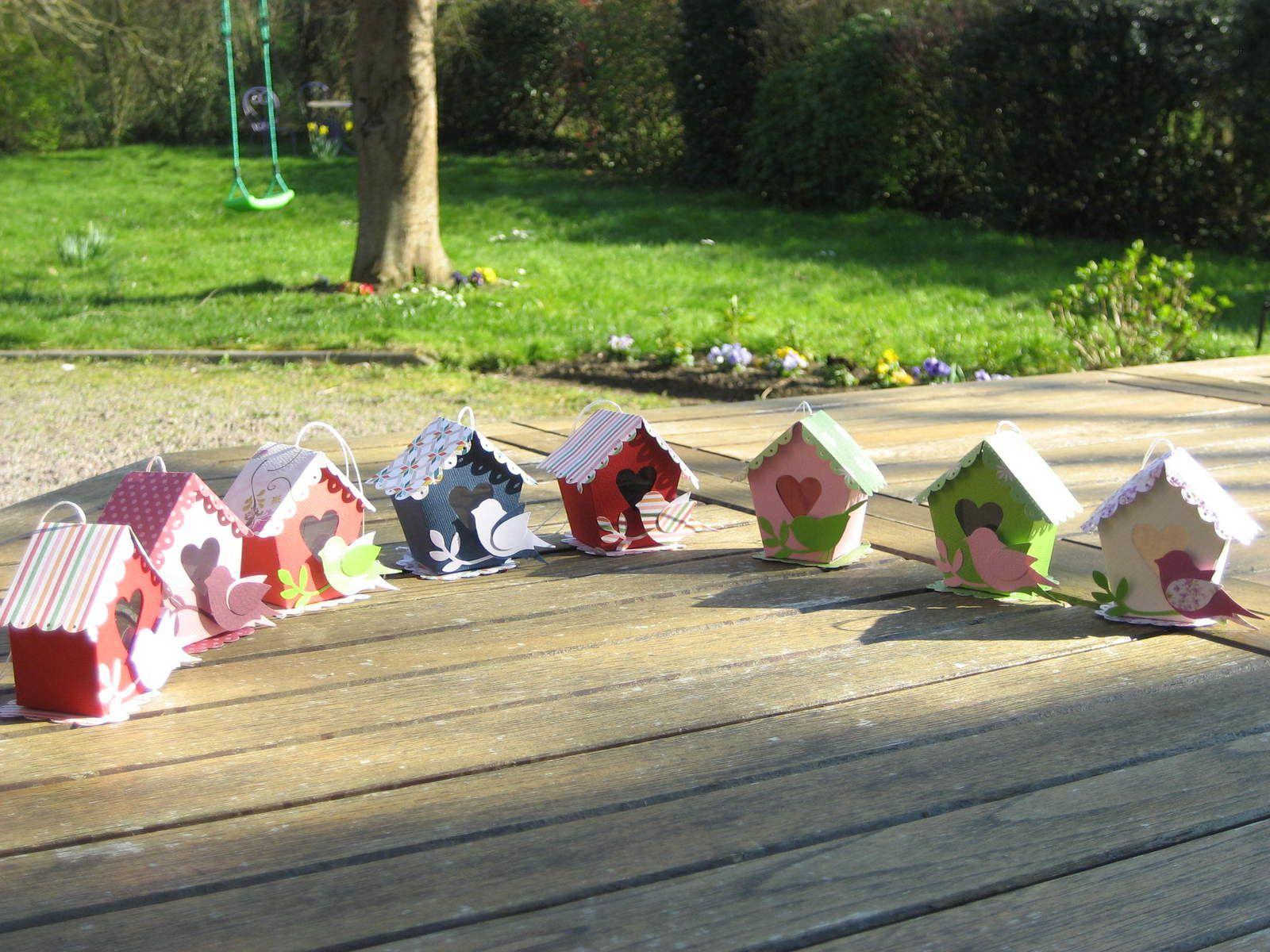 Petits nichoirs en scrap, toit ouvrant, pour Pâques